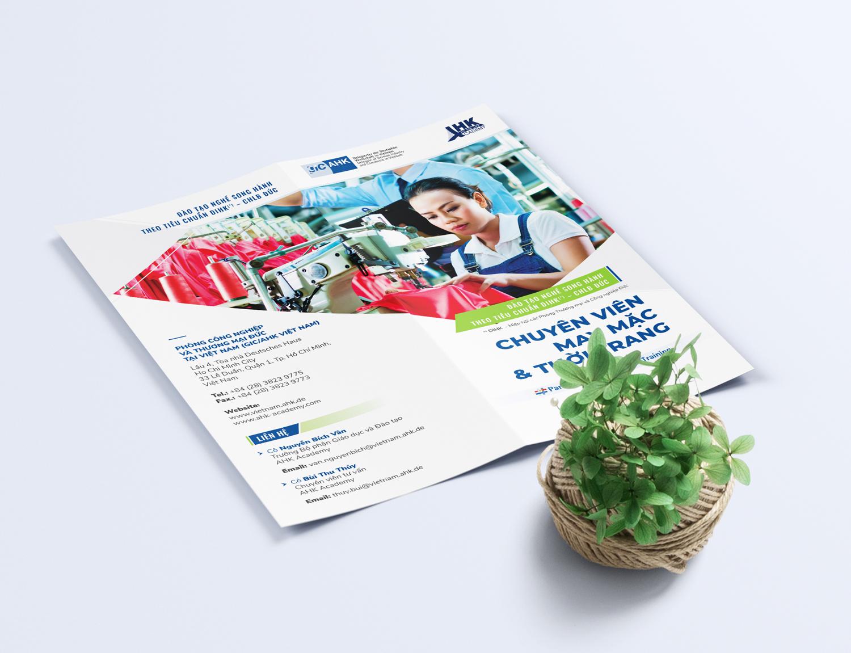 thiet_ke_in_to_roi_bifold_standee_brochure_re_dep_AHK_8